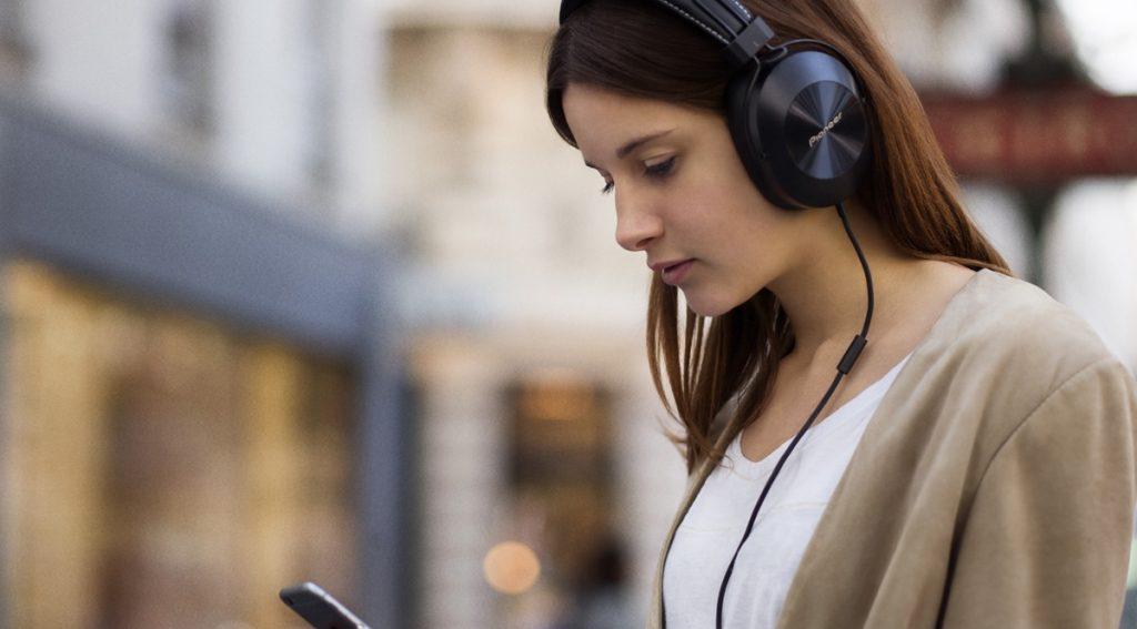 Headphones Pioneer