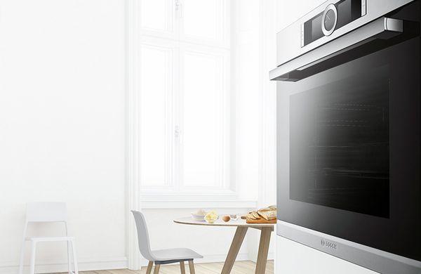 Forno Bosch com tecnologia 3D HotAir em cozinha