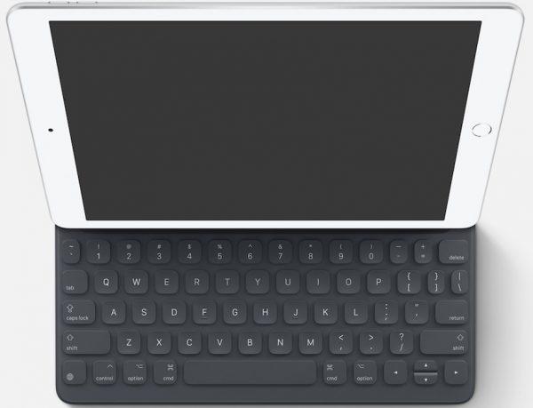 Novo iPad da Apple com teclado Smart Keybord