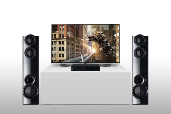 TV e sistema home cinema kit com duas colunas