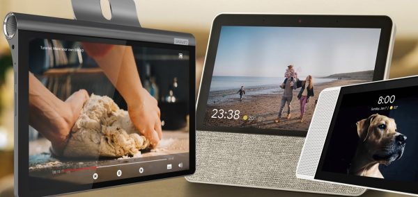 Altifalantes inteligentes e um tablet