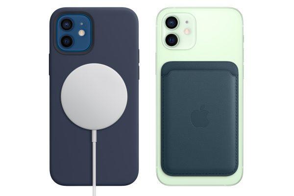 iPhone 12 com acessórios MagSafe