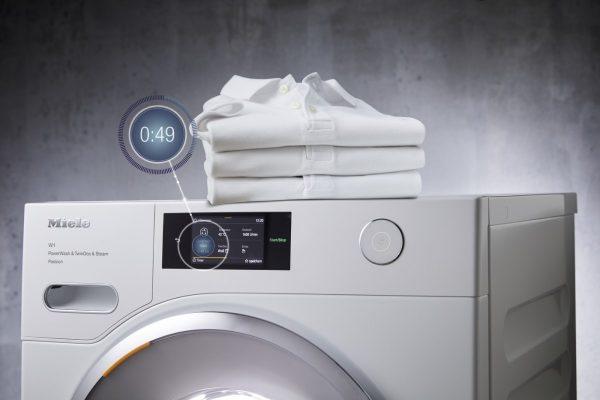 PowerWash e TwinDos: lavar roupa e poupar – a todos os níveis!