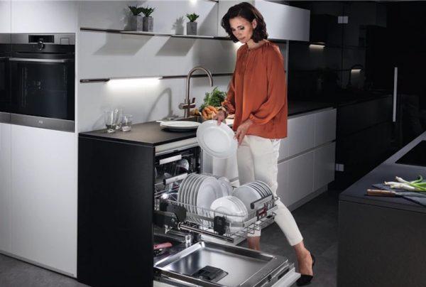 Esta máquina de lavar louça AEG é tudo o que precisa