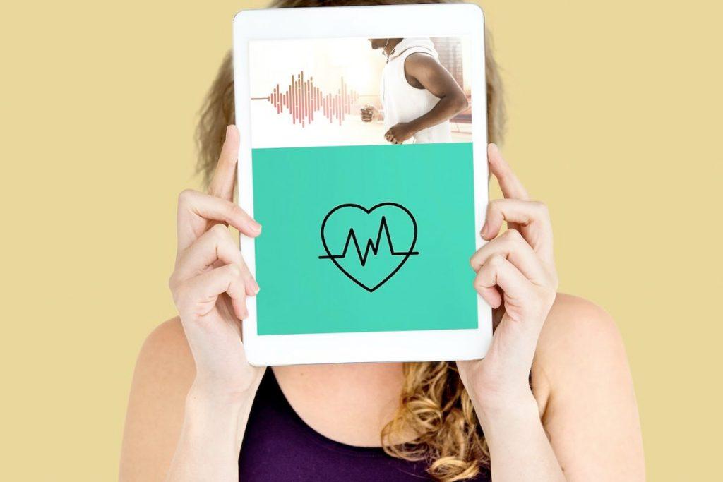Mantenha o seu coração saudável com tecnologia de saúde inteligente