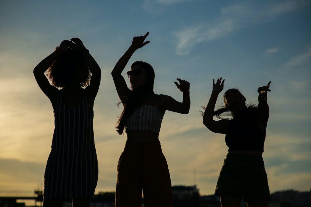 Festas com música ao ar livre com qualidade e sem incomodar os vizinhos